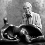 Henry Moore with 'Mother and Child' 1